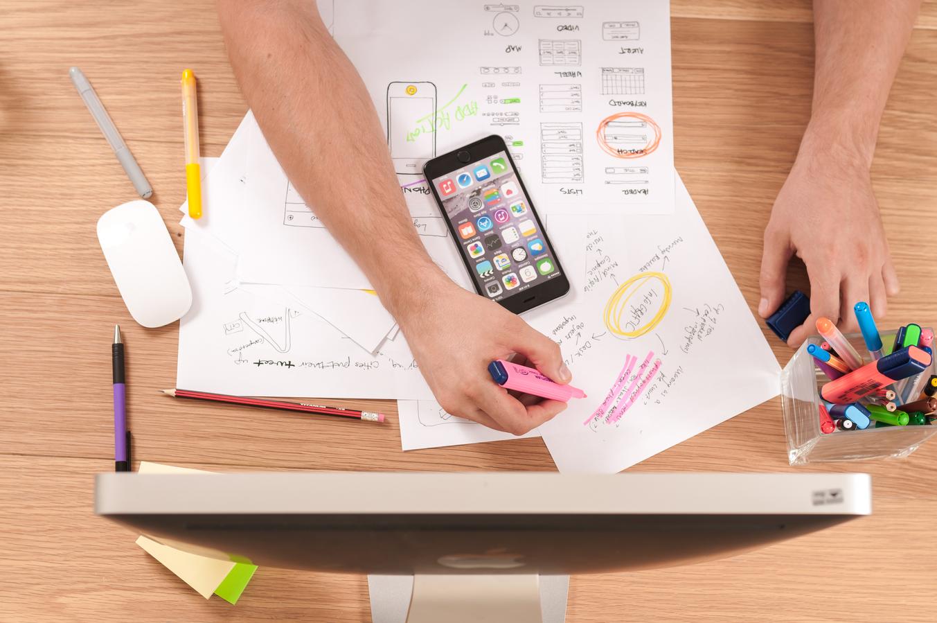 UI/UX Design: Choosing the Best Interface Design for an App